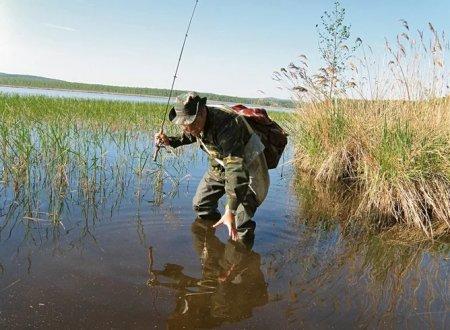 Как правильно собираться на рыбалку летом?